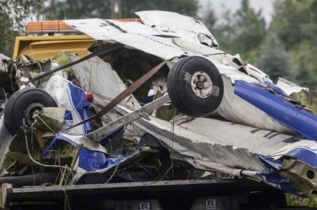 Wrak samolotu z wypadku we Wsoli g. Jedlkińsk koło radomia